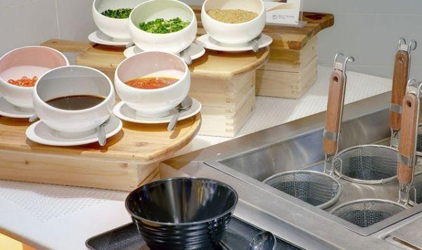 下次路过香港机场,试试这个可以煮面的候机室