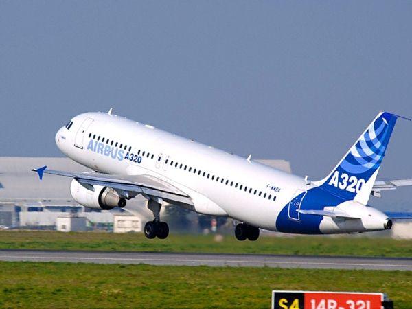 首飞时间:1988年    这款四发远程飞机是苏联民用飞机制造业的绝唱。虽然技术上而言这款飞机仍然在产,但实际上只有29架建造完成。   IL-96飞机的特点之一是客舱拥有非常高的舱顶。   目前古巴航空是唯一一家运营这一款型飞机的航空公司。 空客A340飞机   首飞时间:1991年    空客在20世纪80年代设计了这款四发远程飞机,一般配置座椅数量为260到350个。A340有数个不同款型A340-600的瘦长机身简直是一个奇观,而A340-500则专门为超远程航线打造。   由于后来双发远程
