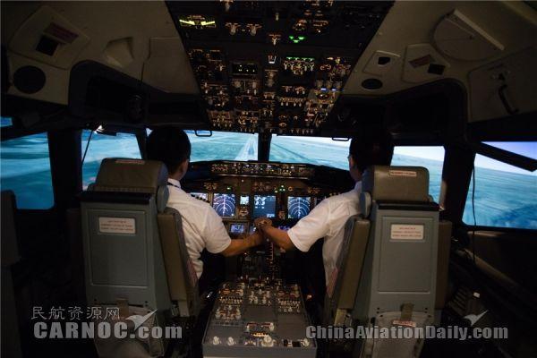 广州首台全动态飞行模拟机启用 确保飞行训练