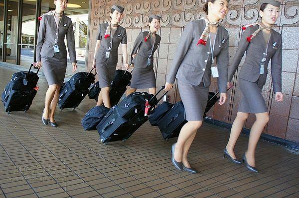 韩亚航空空姐_韩亚航空空姐