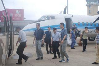 洛阳分院考察组到阜阳机场洽谈飞行训练事宜
