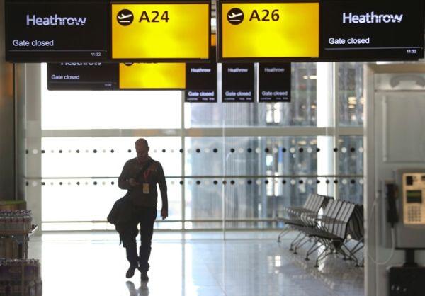 希斯罗机场的2号航站楼即将开放。摄影:Chris