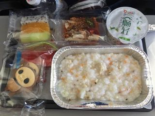 Inflight meal of the ARJ21 inaugural flight