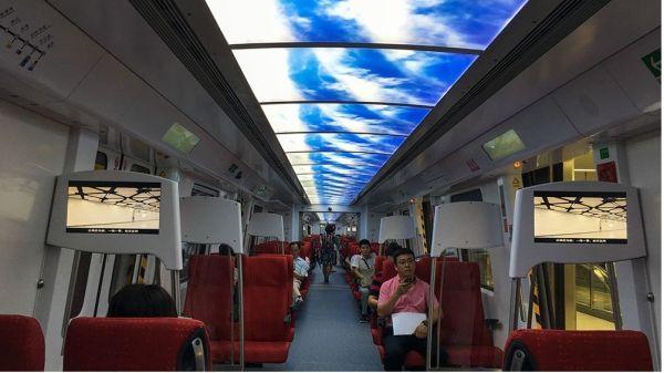 最快最美地铁去深圳机场 坐着地铁看大海看日落