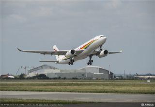 西藏航空接收首架A330飞机