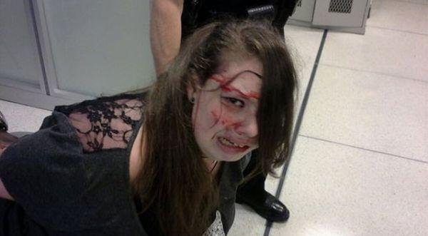 美国机场安检员把脑癌少女打到头破血流