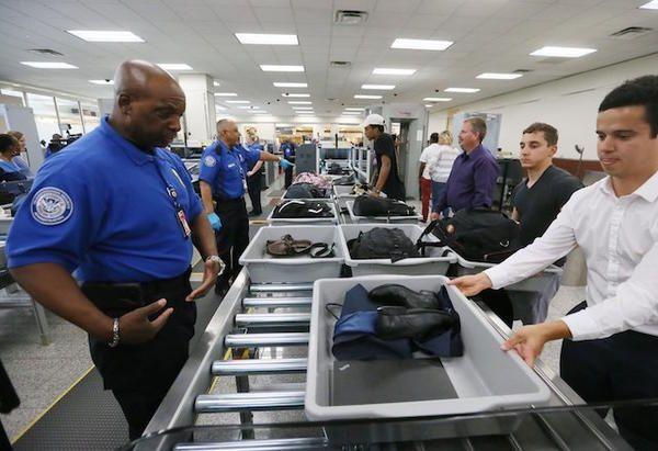 以后过美国机场安检可能快很多 东西不用拿出来