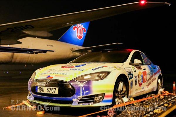 创纪录:南航777货机将8台特斯拉从美运抵中国