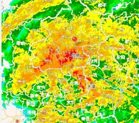 """暴雨""""逼停""""航班 首都机场通行能力下降50%"""