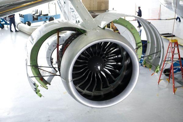 高大上 未来机务可以这样修飞机