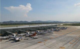"""甘当 """"好物管"""":记南京机场新机坪运行两周年"""
