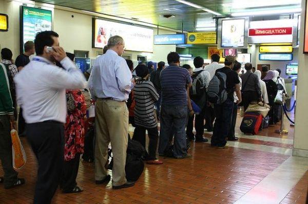 图:雅加达机场入关队伍(资料图)
