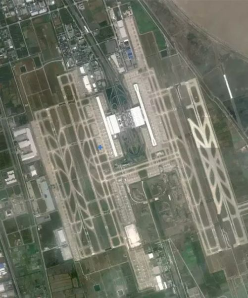 卫星图看中国十大机场,跑道,飞机清晰可见!