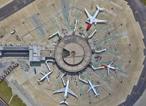 不一樣的視角:倫敦蓋特威克機場航拍圖