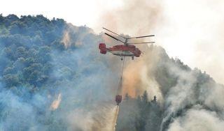 两架K-32直升机上阵重庆森林火灾扑救演练