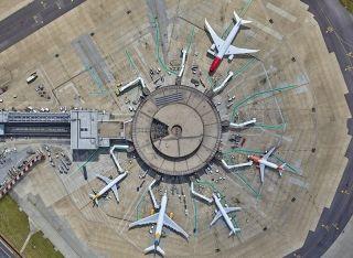 不一样的视角:伦敦盖特威克机场航拍图
