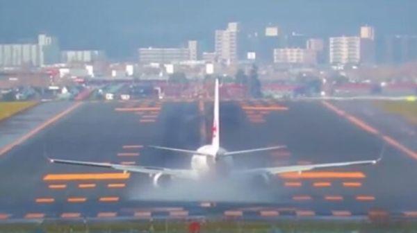 台风我也不怕!日航737台风中傲娇起飞