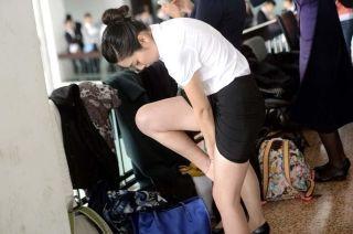 其实空姐就是空中乘务员,作为服务性人员完全没有必要进行如此严苛的选拔,这是对人才的浪费。