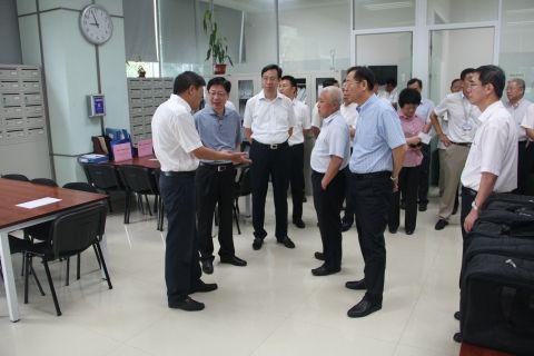 民航局副局长王志清一行到奥凯航空调研