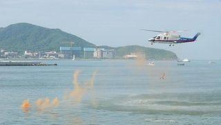 南部海区应急救援演练举行 场面如大片般震撼