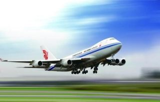 航司都让你装它们的应用订机票,但你该装么?
