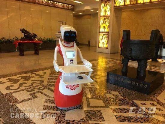 盘点世界各大机场机器人网红 中国完爆日本