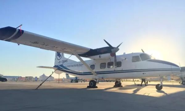 运-12系列飞机是中航工业直升机公司研制的轻型双发多用途涡桨飞机。
