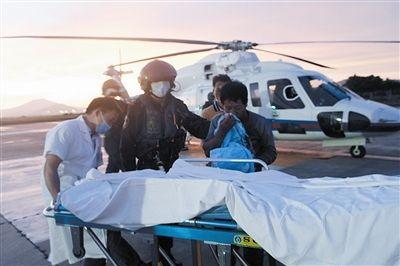 一天内!南海第一救助飞行队连救两名受伤渔民