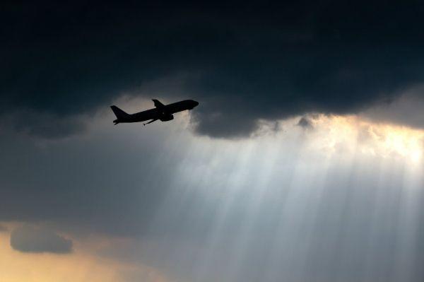 【刘清贵专栏】这次高空飞行是如何遭遇雹击的?