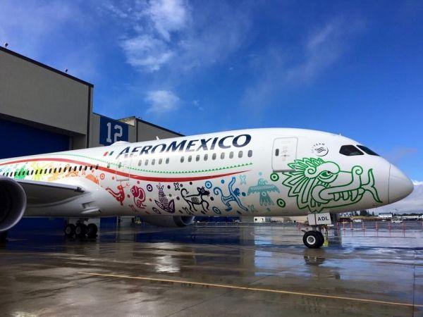墨西哥航空首架787-9亮相 采用羽蛇神彩绘