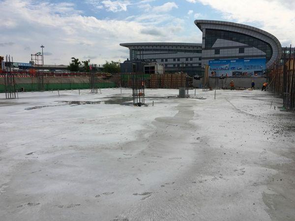 图:长春机场2号航站楼主体混凝土结构封顶