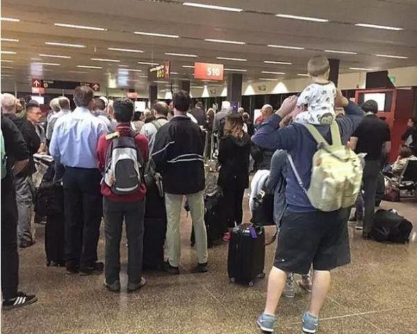 英航电脑系统故障 造成全球航班大乱