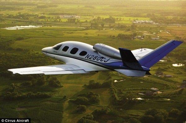 西锐将推5座私人飞机 售价200万美元起
