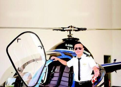 太励志!惠州一高校老师掏百万购直升机圆梦