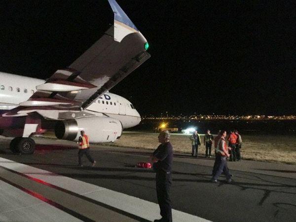 惊险!刹车故障致客机偏离跑道打横