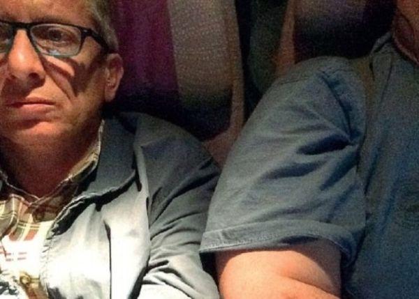 航班上坐肥胖旅客旁不舒服 他向航空公司索赔
