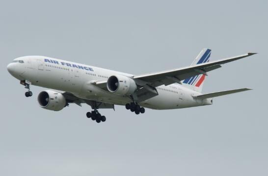 法航777压缩机失速 紧急备降戴高乐机场