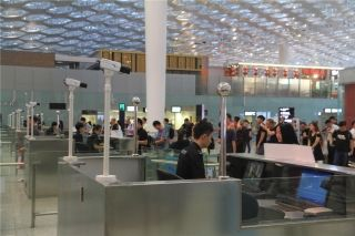 """深圳机场冒用证件乘机小心被它一眼""""揪出"""""""