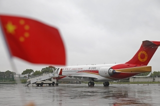 On September 29, the Commercial Aircraft Corp of China (COMAC) delivered the second ARJ21-700, the country's first indigenously designed regional jet, to launch customer Chengdu Airlines. Photo by Yin Liqin/Shanghai Morning Post