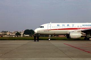 10月1日8时11分,飞机放行推出 (摄影:高昂)