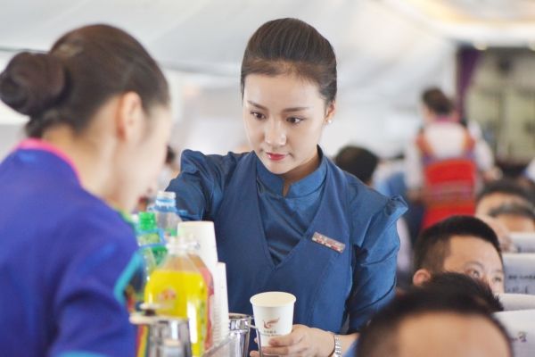 昆航2017年春运加班296班 保障旅客出行