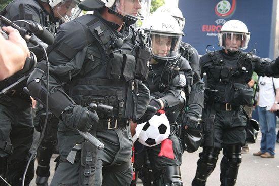 """瑞士警方说日内瓦机场炸弹警报或是""""恶作剧"""""""