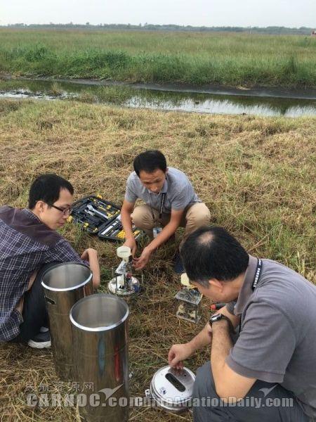 海马来临前,深圳空管站气象机务人员及时修复雨量筒故障