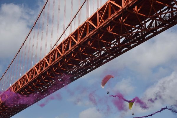 世界顶尖低空跳伞选手约战黄果树坝陵河大桥