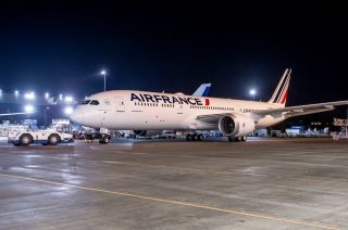 Air France's first 787-9 and Boeing's milestone 500th 787 has rolled out from the Boeing's paint shop. Photo by Air France