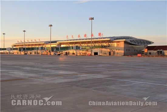 二连浩特机场道面维护又有新举措