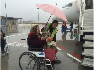 """库车龟兹机场为特殊旅客撑起一片""""蓝天"""""""