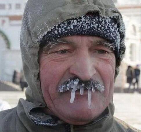 天气太冷飞机飞不了 英环球飞行员在俄紧急降落