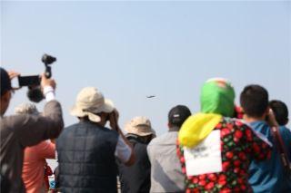 珠海航展上的飞友们 (摄影:谷强)