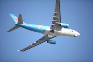 珠海航展上的飞行表演 (摄影:谷强)